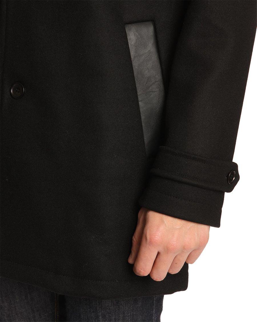 manteau long homme noir cette couleur passe partout. Black Bedroom Furniture Sets. Home Design Ideas