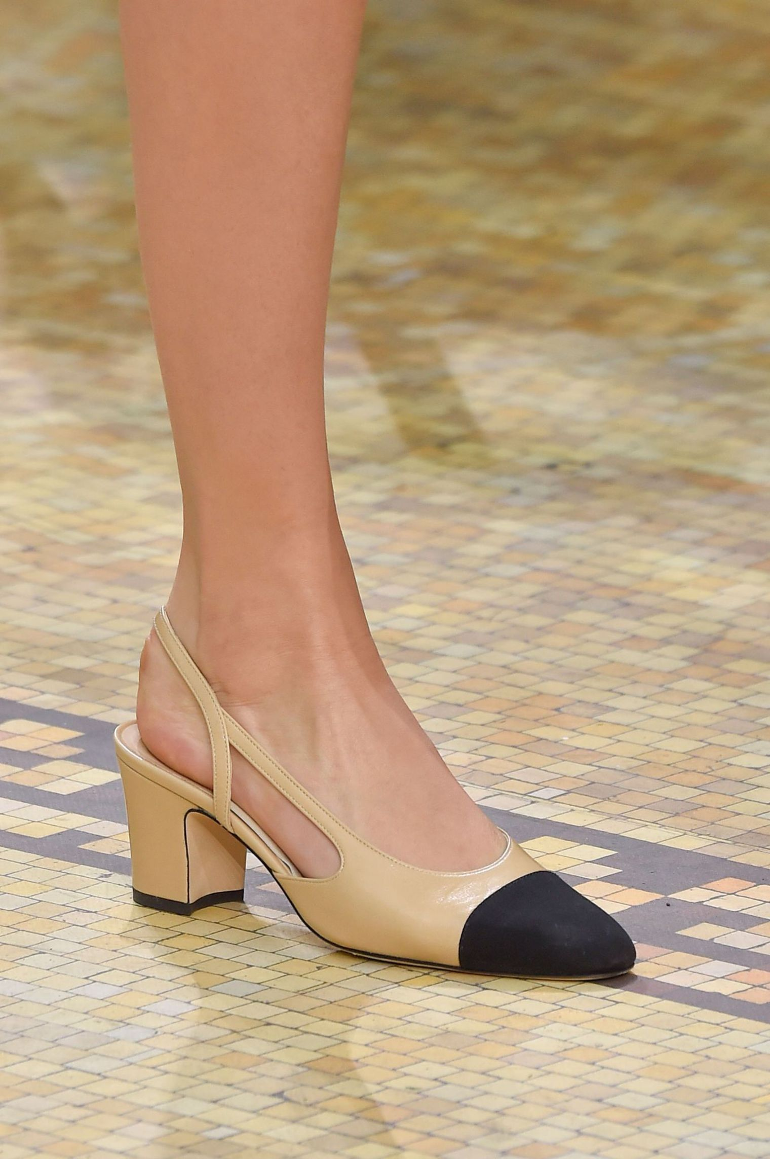 1809a9f865d les chaussure chanel