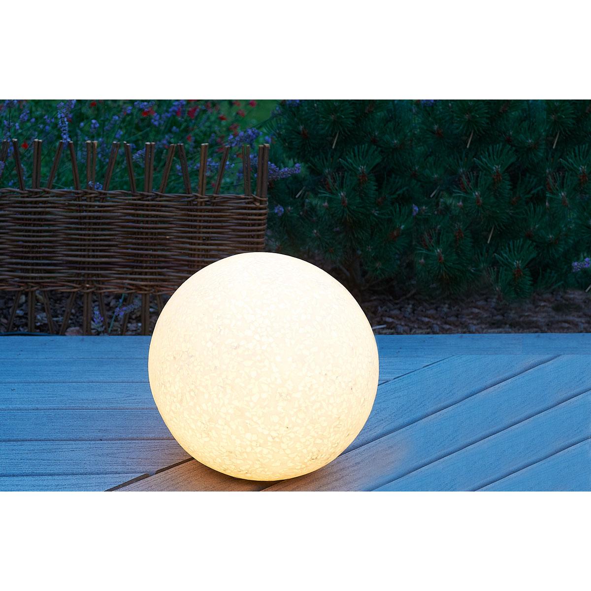 Boule lumineuse : Tout ce que pouvez faire dans votre jardin